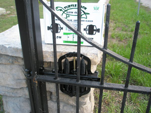 TB100 Tutle Back Gate Closer